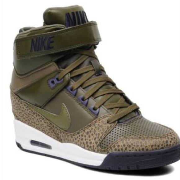 best loved 86145 b84cb Nike Air Revolution Sky Hi 8.5 Olive Green. M 5ba4e97034e48adcee1420ba